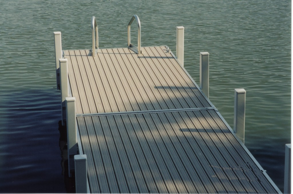 Riverview-Dock-at-Home1-1024x678